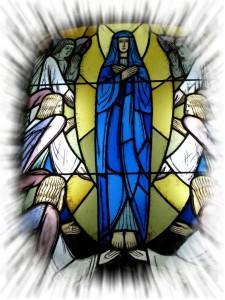Aufnahme-Mariens-in-den-Himmel-Glasfenster-Klosterkirche-769x1024